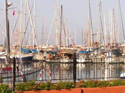 Порт в центре Кемера