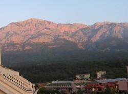 Вид на горы с балкона в отеле Кемера