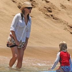 Джулия Робертс с дочерью на отдыхе