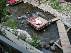Столик в ресторане Улупынара в Турции
