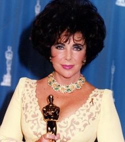 Элизабет Тейлор на церемонии Оскар в ожерелье от Van Cleef и Arpels