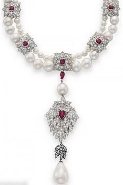 Ожерелье Элизабет Тейлор от Cartier с жемчужиной Ла Перегрина