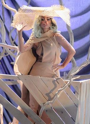 Леди Гага на концерте в честь Билла Клинтона