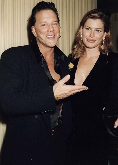 Микки Рурк и Карре Отис в 1995 году