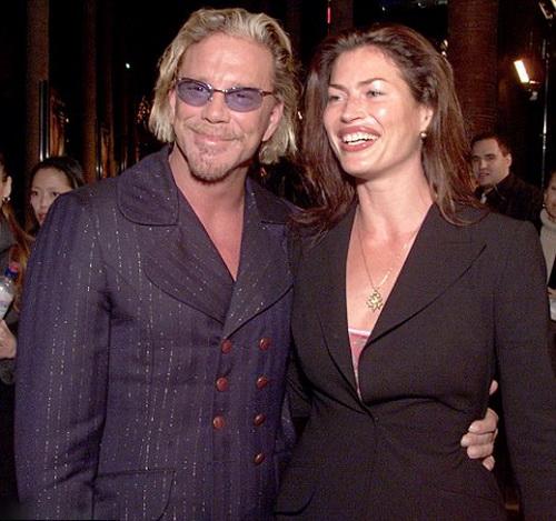 Микки Рурк и Карре Отис в 2001 году