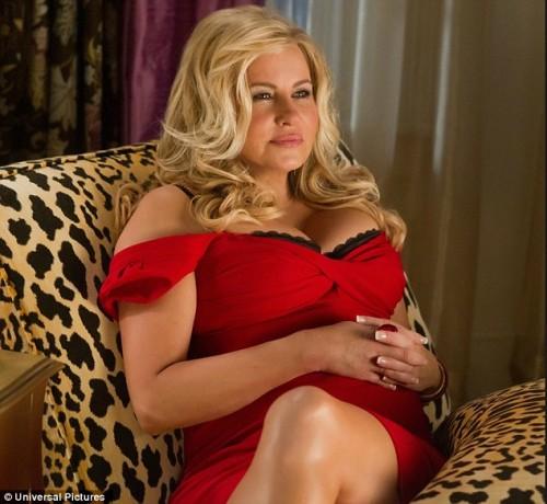 Мама Стифлера(Дженнифер Кулидж) в продолжении комедии Американский пирог 4