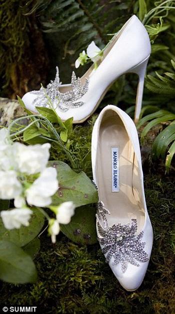 Свадебные туфельки Беллы от Маноло Бланик