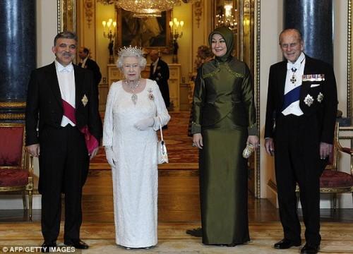 Президент Турции Абдулла Гюль, королева Великобритании, госпожа Гюль, принц Филипп