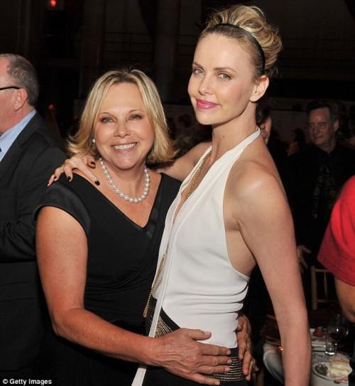 Герда, мама Шарлиз Терон, очень горда достижениями дочери.