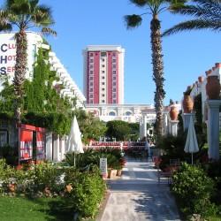 Club Hotel SERA - вид на отель с моря
