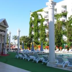 Club Hotel SERA - глубокий бассейн