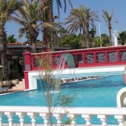 Club Hotel SERA - бассейн с морской водой и горками
