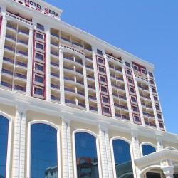 Club Hotel SERA - так отель выглядит при входе