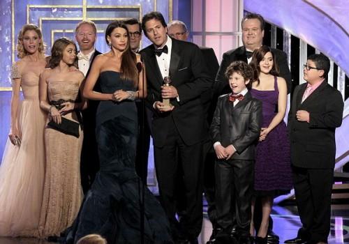 Золотой глобус 2012: Стивен Левитан держит речь от имени создателей сериала Американская семейка (Moderm family)