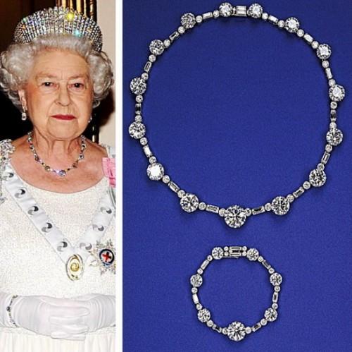 Ожерелье из южноафриканских алмазов.