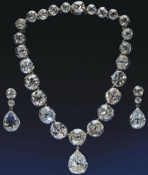 Ожерелье для коронации, 1953 год.