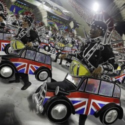 Карнавал в Рио (английское такси)
