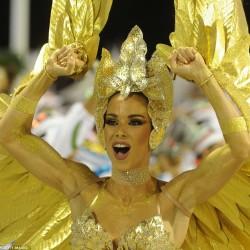 Карнавал в Рио (красотка танцовщица)